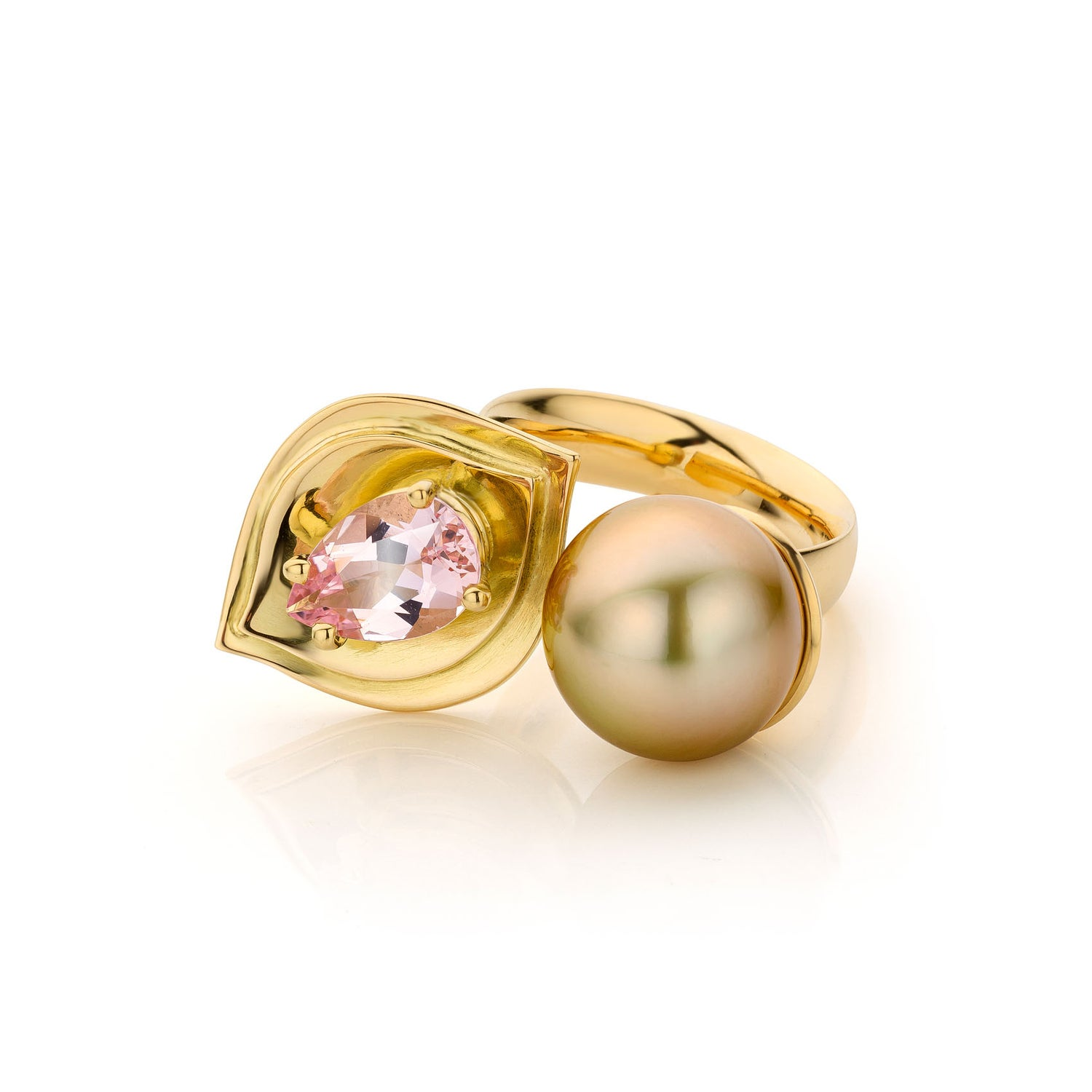Image of ring goud, morganiet, Zuidzee parel - Coctailring: yellow gold, morganite, Soutsea pearl -