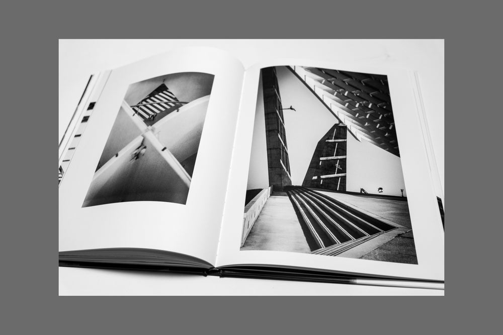 Image of 'ATTRAPER AU VOL' BOOK - SOLD OUT - AVAILABLE ON WWW.UMYEAHARTS.COM