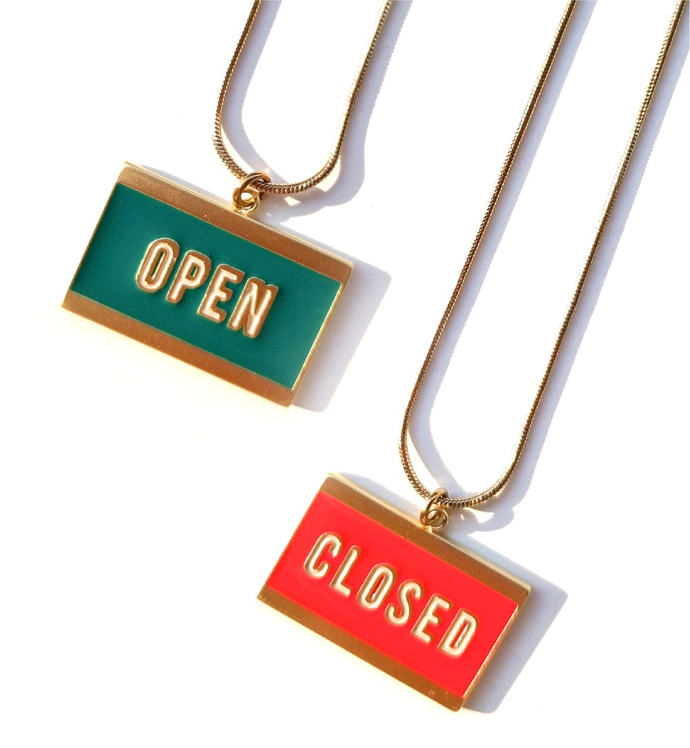 OPEN+ CLOSED - reversible necklace- Green/ RED  • Stainless steel