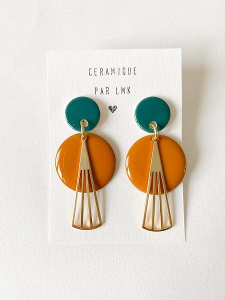 Image of Paire de boucles d'oreilles céramique, plaqué or et résine ART DECO canard et moutarde
