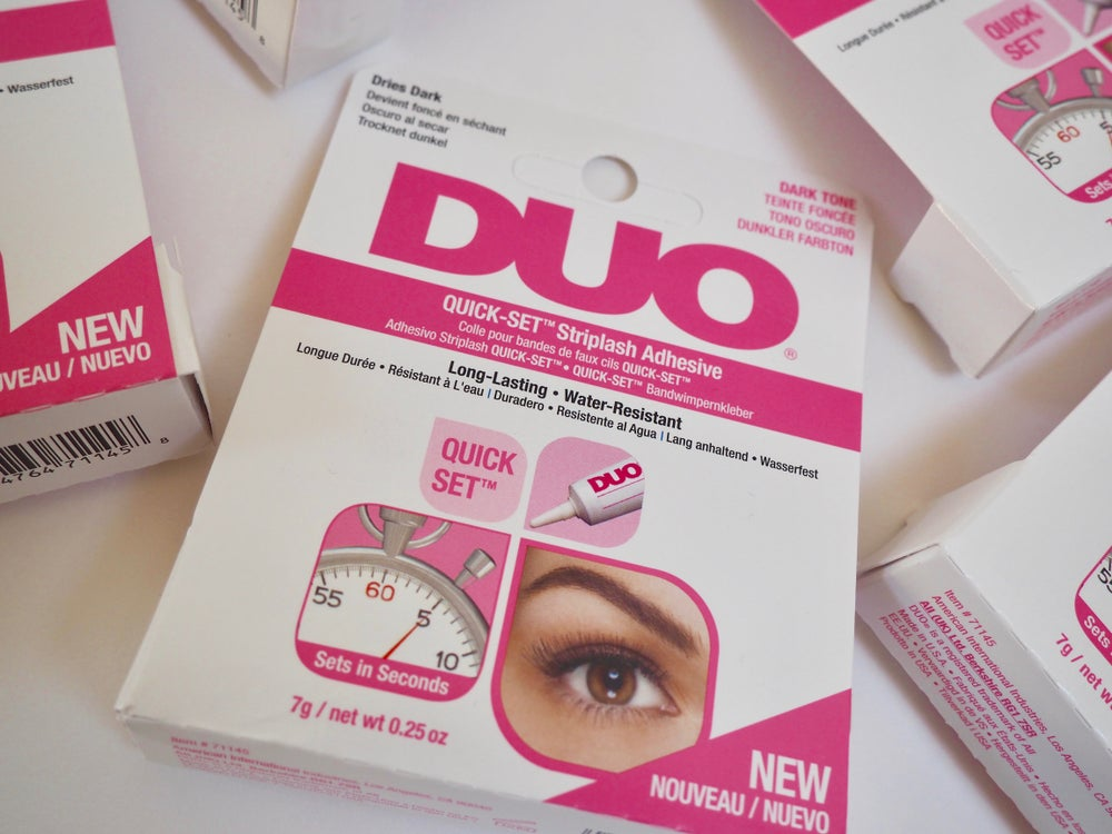 Image of  Duo Quickset Striplash Adhesive: Dark 7g.