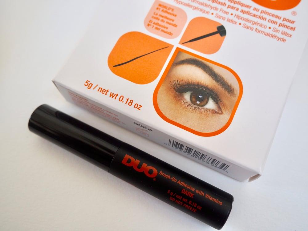 Image of  Duo Brush On Striplash Adhesive- Dark 5g.