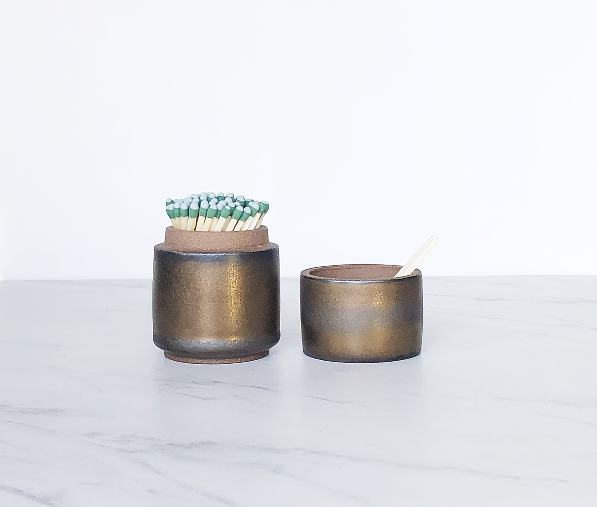 Image of Limited Edition : Ceramic match holder with lid, glazed in bronze