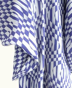 Image of Silkekimono m. ternet mønster i grå/ lilla