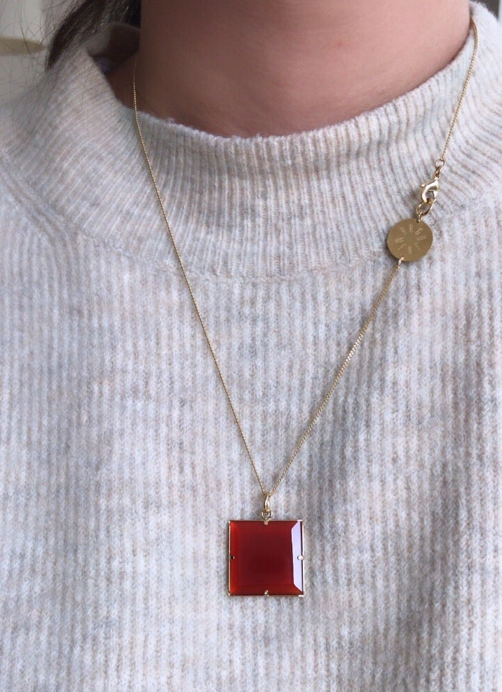 Image of Collier carré onyx rouge