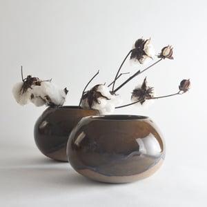 Image of stoneware vessel