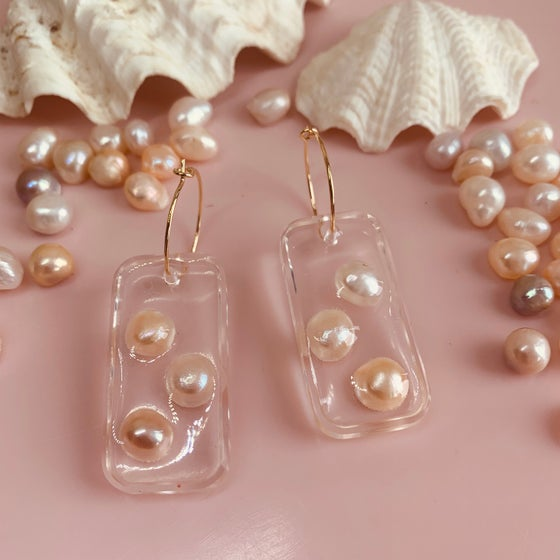 Image of Resin Rectangle drops with Pearls
