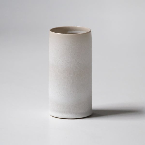 Image of UNIKA CYLINDER IN FROSTED WHITE GLAZE 1