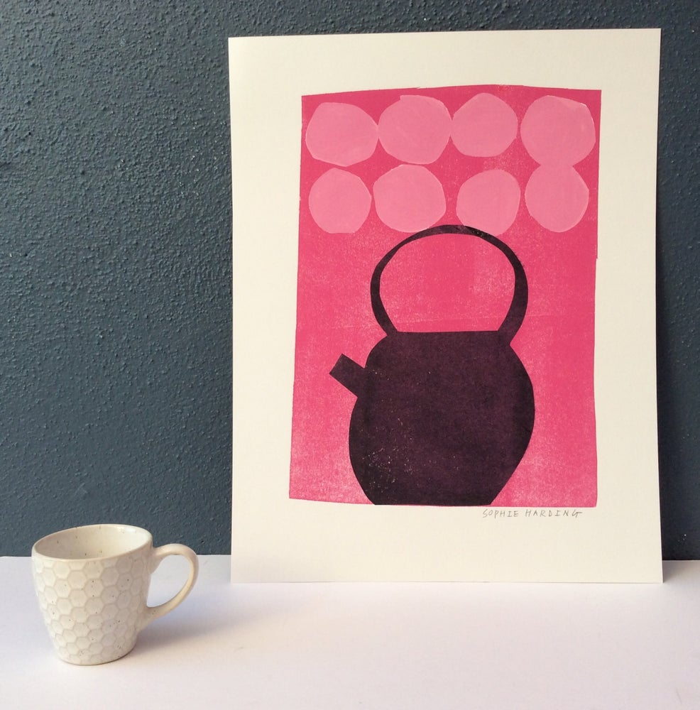 Image of Teapot and Big Spots