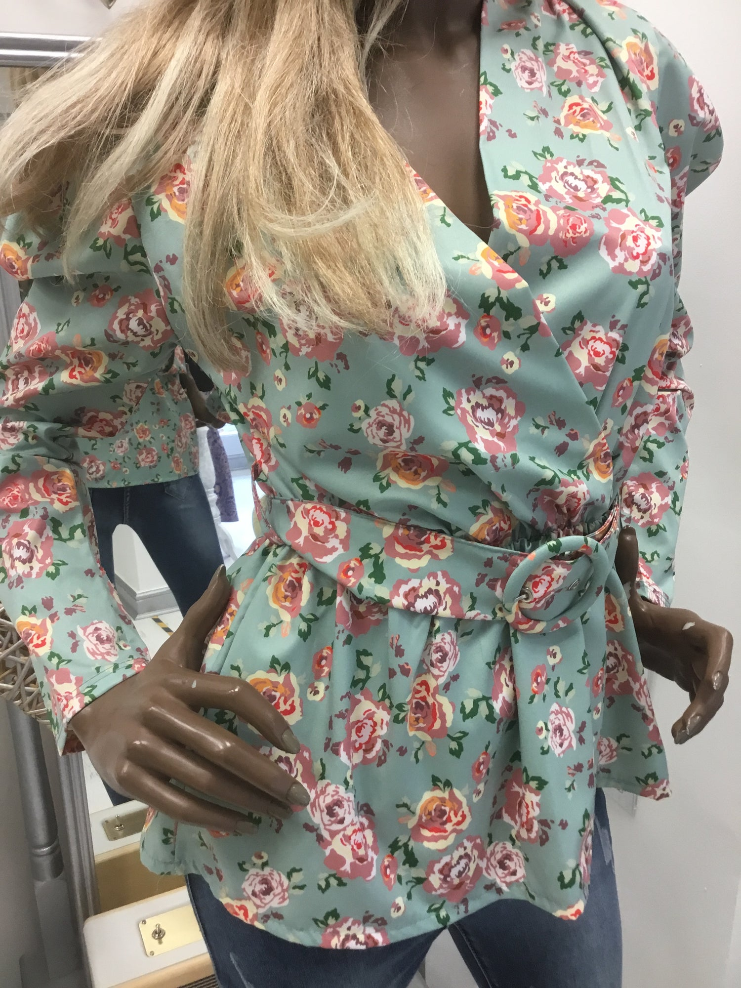 Image of MINT GREEN FLORAL LONG SLEEVE TOP