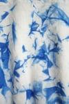 """Foulard en lin blanc peint en marbré bleu """"Mia"""""""