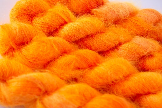 Image of Fluffy Lace - Atomic