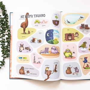 Kuwi & Friends Māori Picture Dictionary + FREE Decorations!
