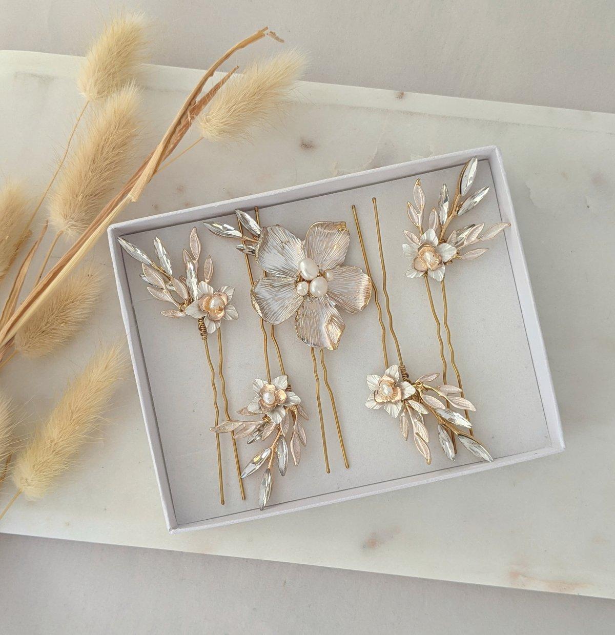 Wild flowers hair pins