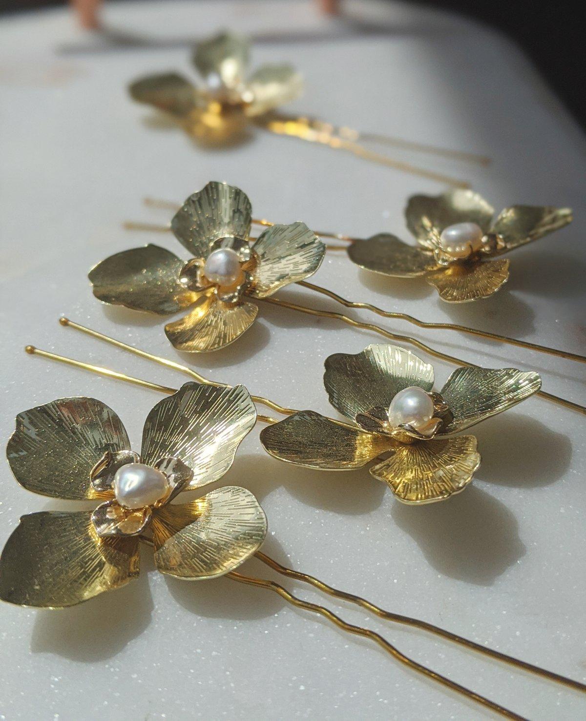 Blossom hair pins