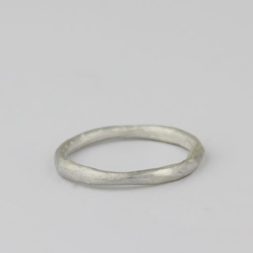 Image of THE MINI ORGANIC RING IN SILVER