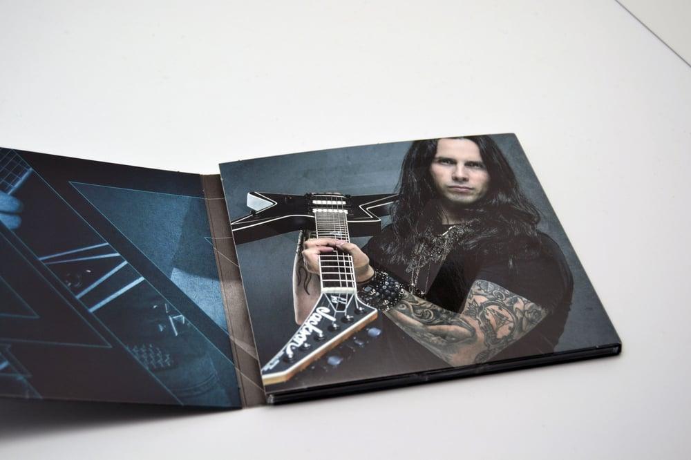GUS G. - Fearless (Digipak CD)  SIGNED + guitar pick