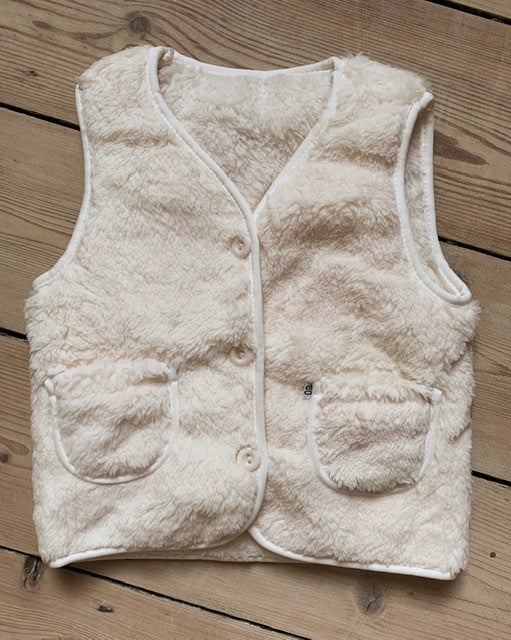 Image of THE PRINCE VEST - CREAM