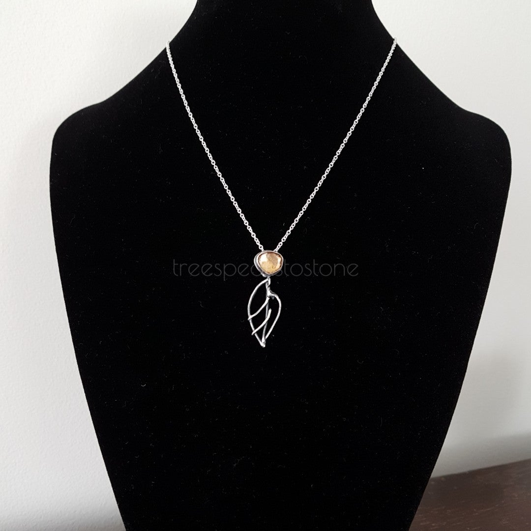 Image of Small Elven Leaf Pendant