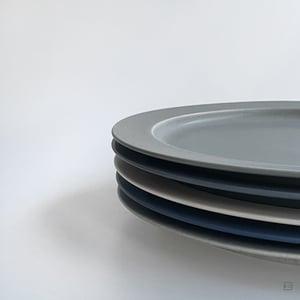 Yumiko Iihoshi Porcelain Unjour Plate L
