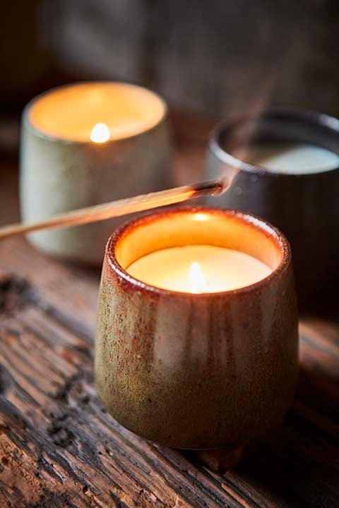 Image of CHRISTMAS CANDLES - Fresh Snow / Mistletoe