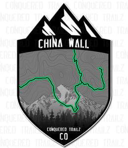 """Image of """"China Wall"""" Trail Badge"""