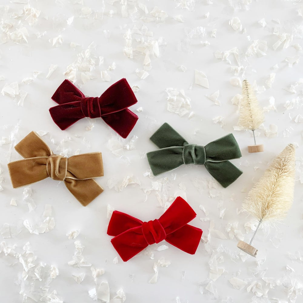 "Image of 4"" Holiday Classic Velvet Bows"
