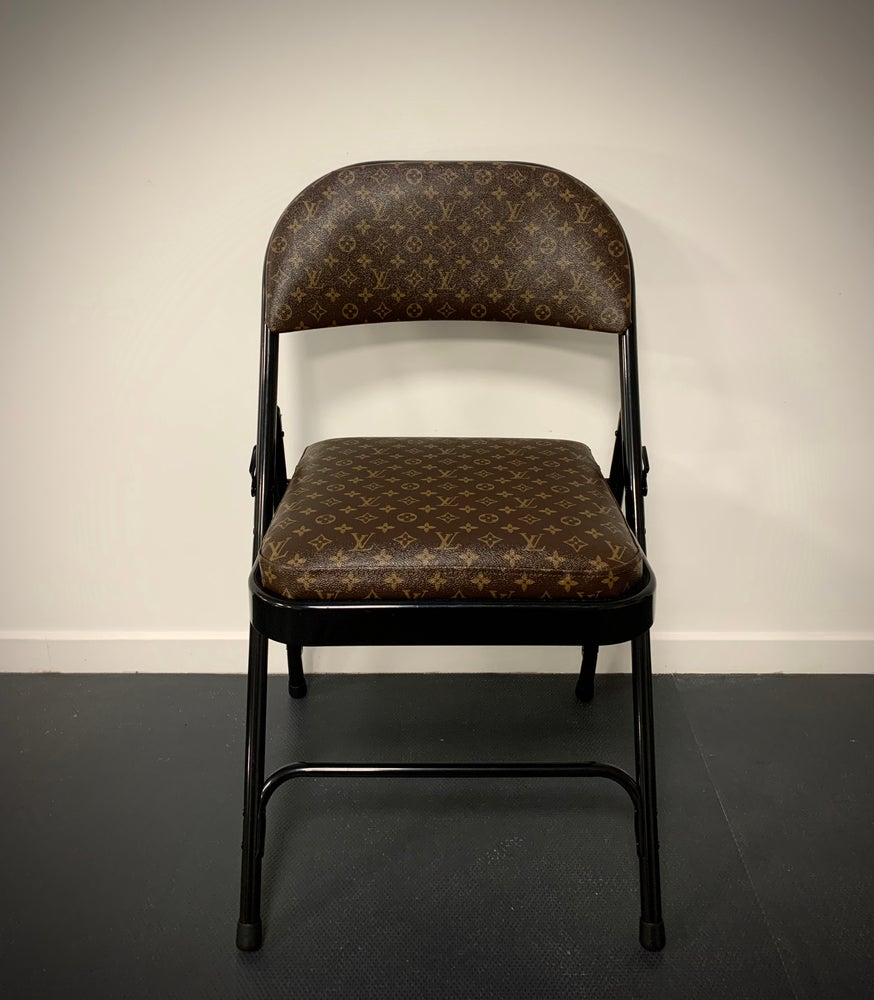 Image of LV Éclipse Chair