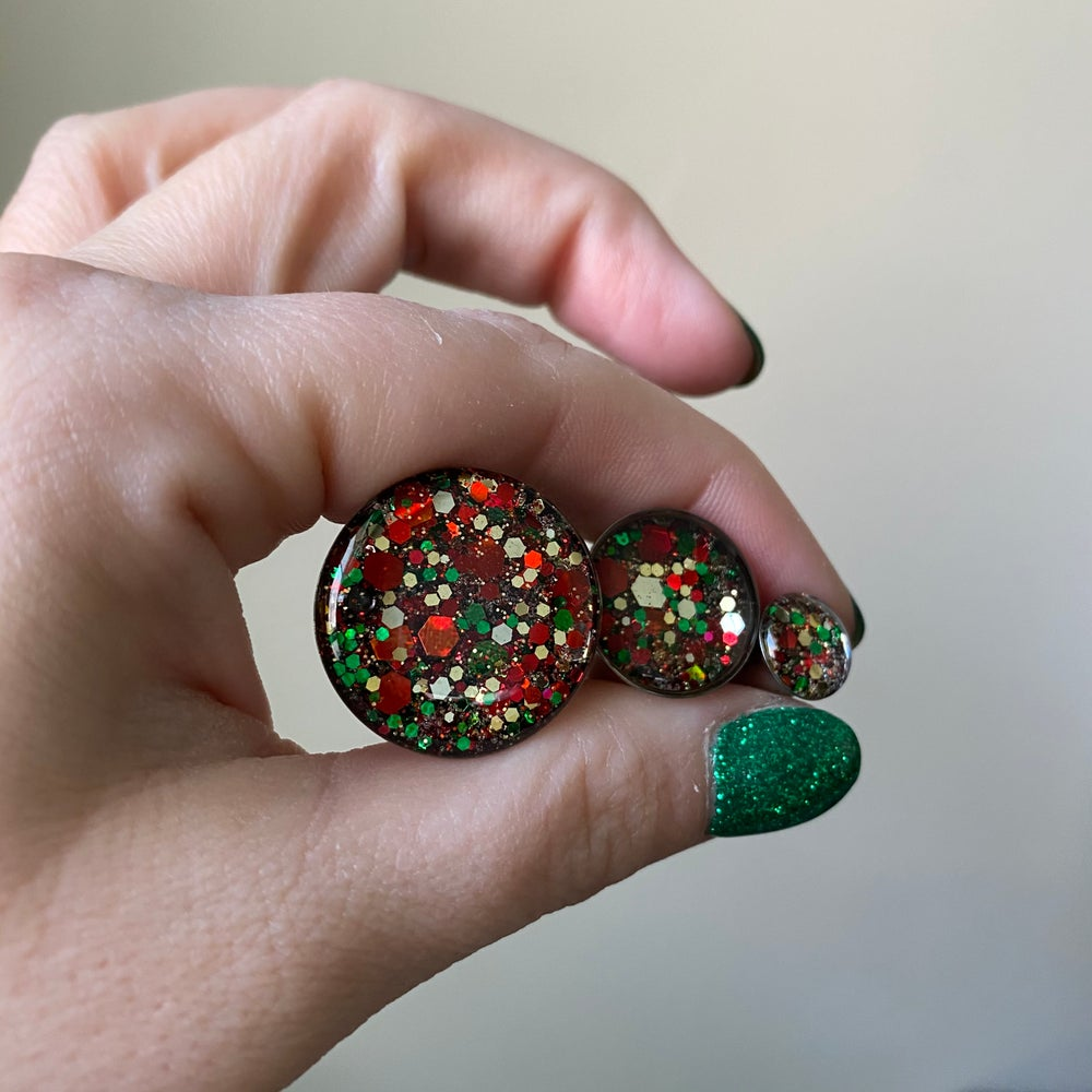 "Image of Holiday Explosion Glitter Plugs (sizes 0g-2"")"