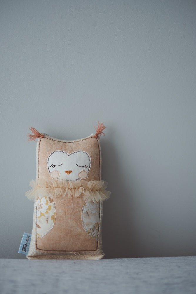 Image of Tiny owl in hand-dyed dusty pink