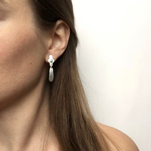Image of mini pare earring