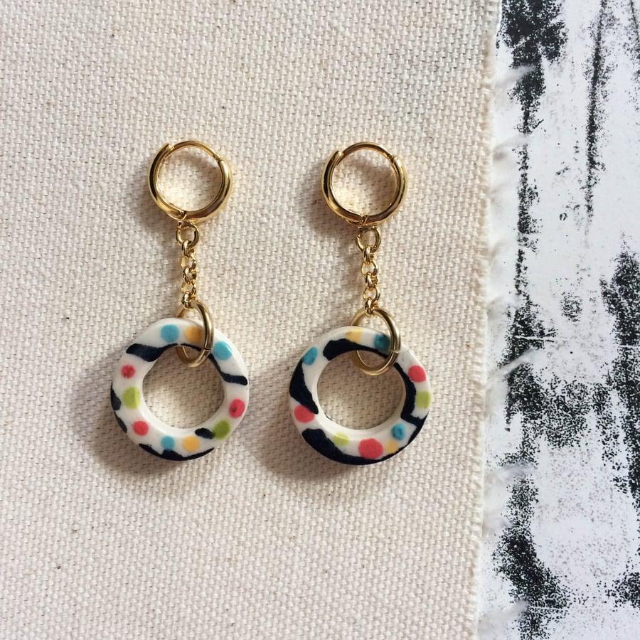 Image of Hollow hoop drop earrings