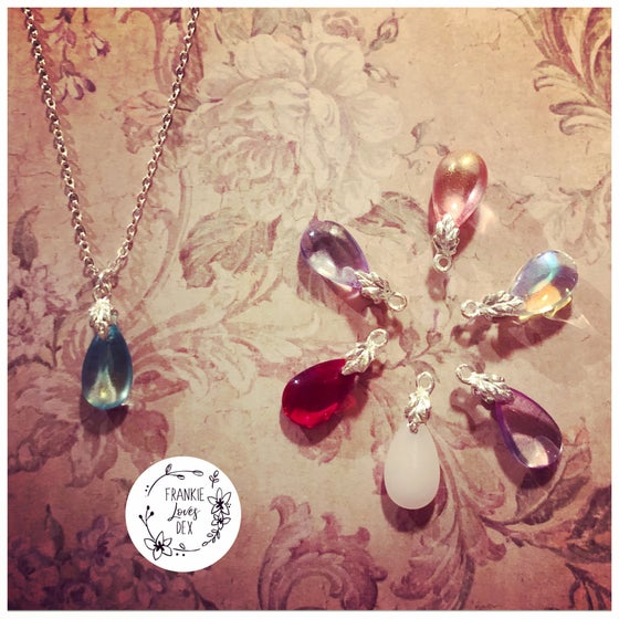 Image of Iridescent dropper necklace - 7 colours