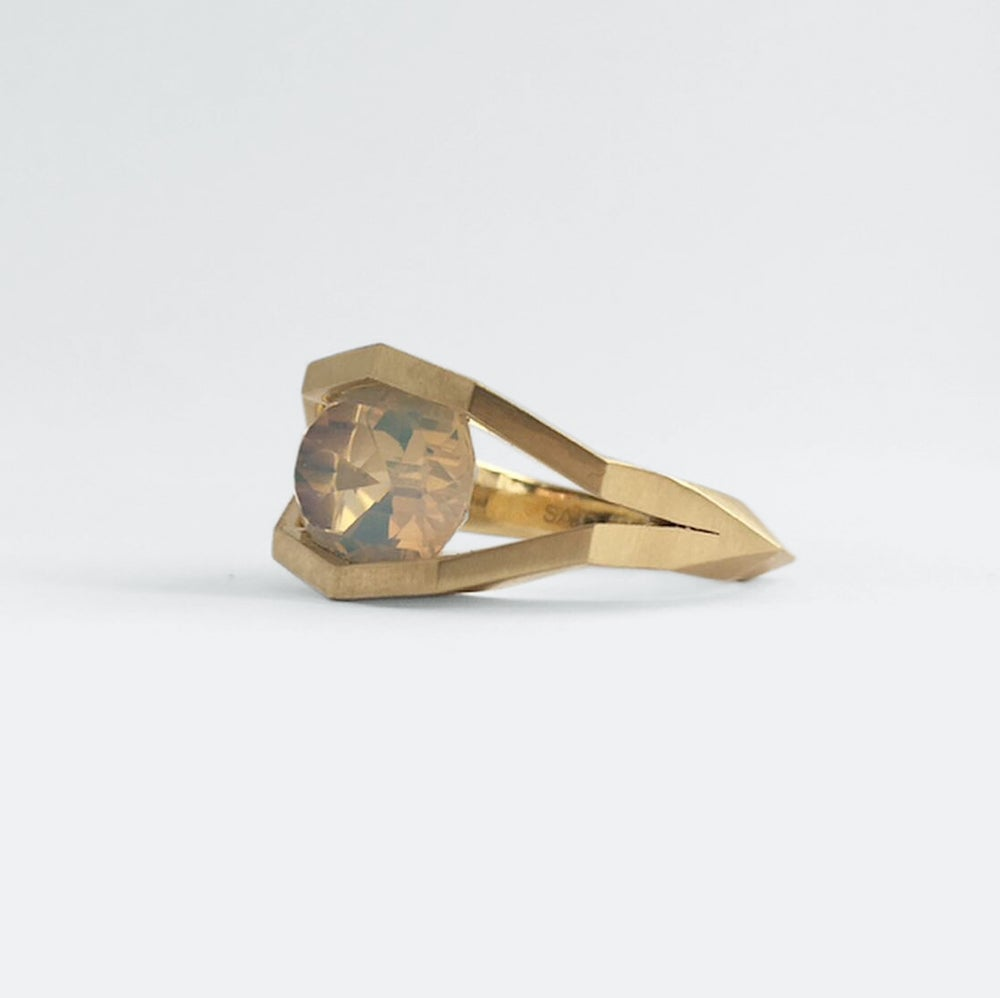 Image of FACET CAVES RING — 18K