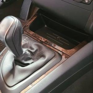 Image of BMW E8X 1 SERIES (E81/E82/E87/E88) INDUKTIV Wireless Charging Unit
