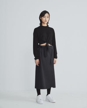 Image of TRAN - 高領短版綁帶上衣 (黑)