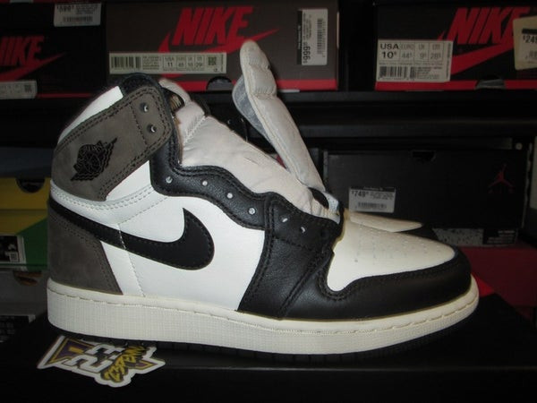 "Air Jordan I (1) Retro High OG ""Dark Mocha"" GS - areaGS - KIDS SIZE ONLY"