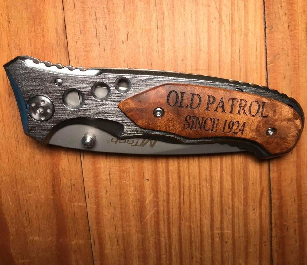 Image of OLD PATROLLER / BORDER PATROLLER ~ ENGRAVED COMMEMORATIVE KNIVES