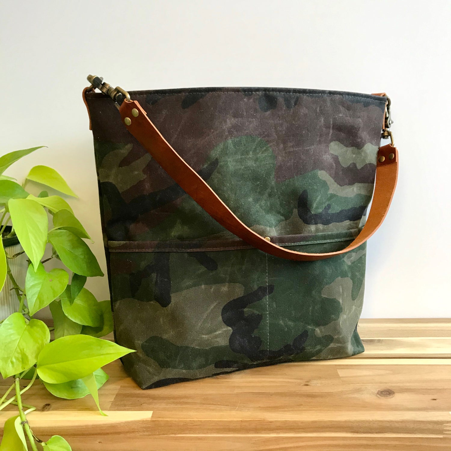 Image of Camo Handbag