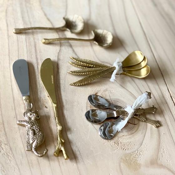 Image de Petites cuillères et couteaux à beurre // differents modèles