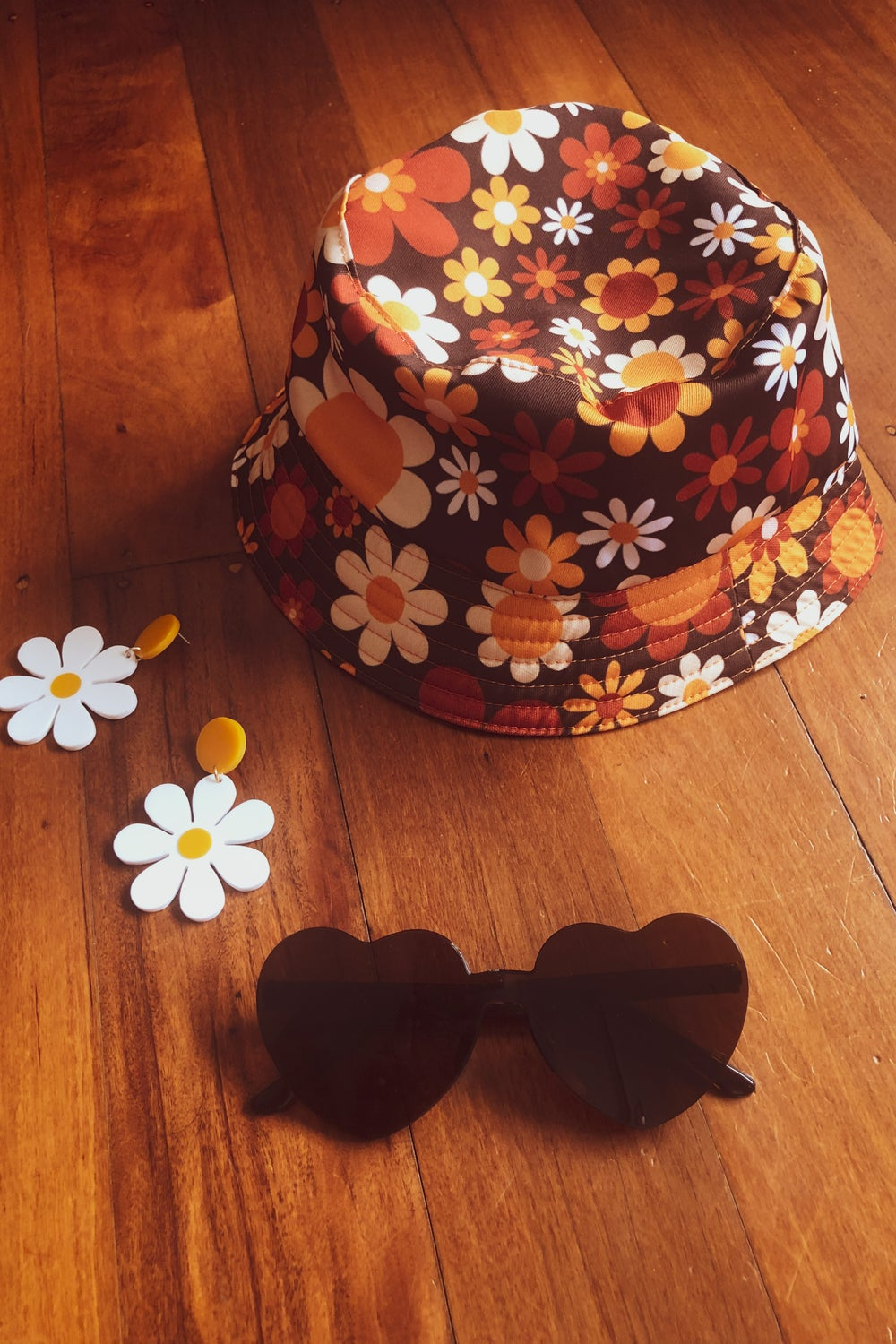 Bucket hat in Sunny side up Brown