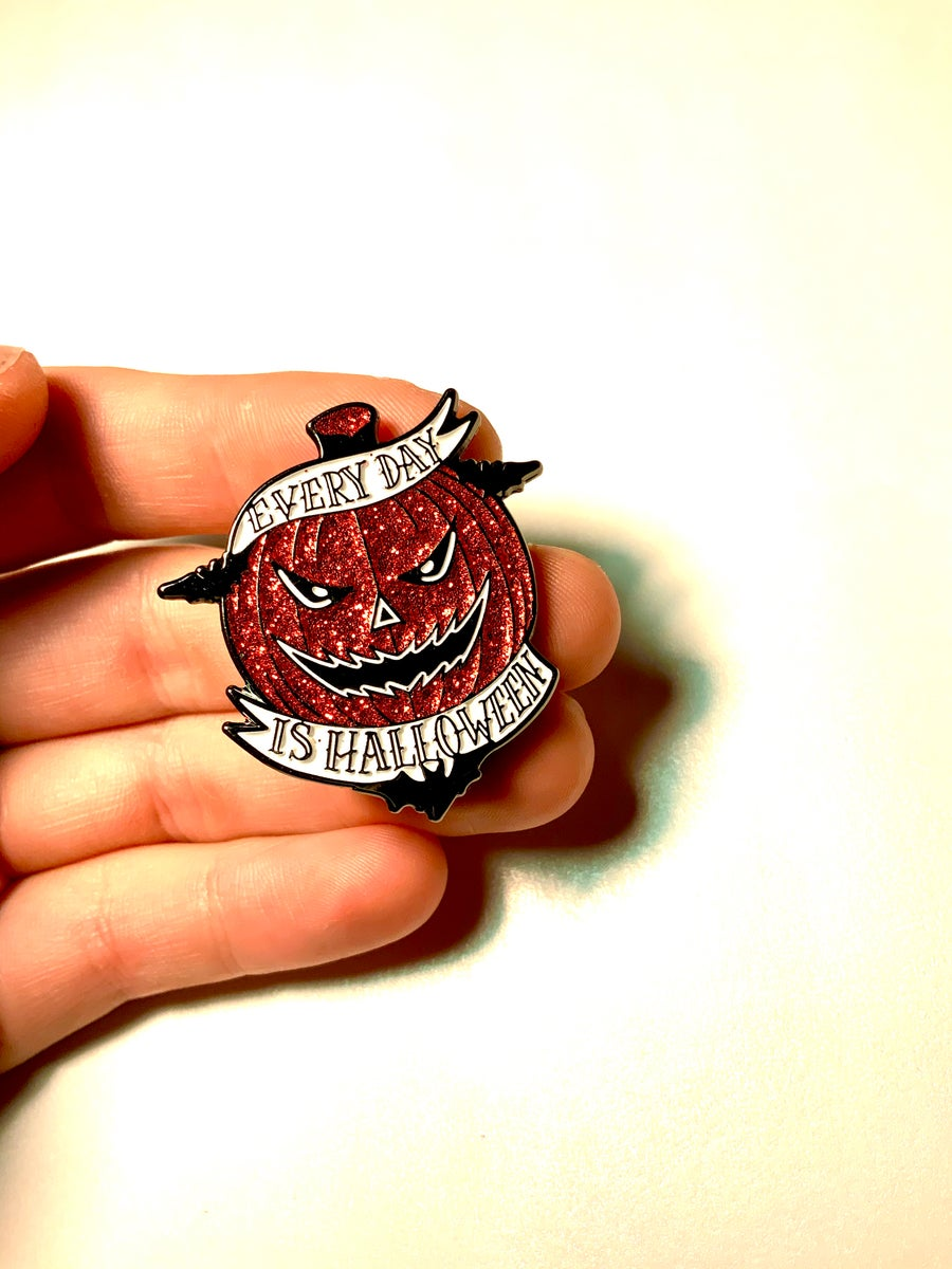Image of Spooky Pin Set
