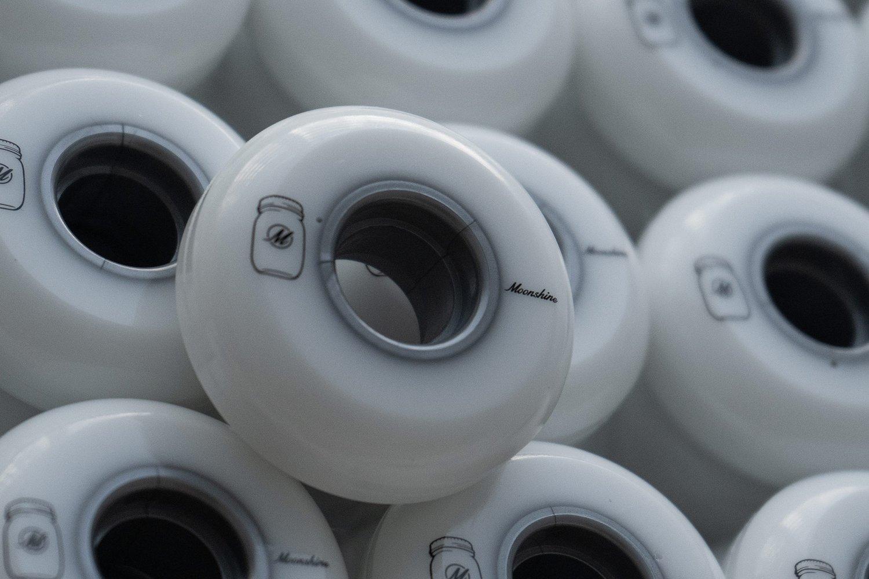 Image of Moonshine White Lightning Wheels - 59mm / 92a