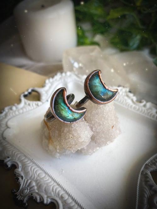 Image of Labradorite Moon Goddess Ring