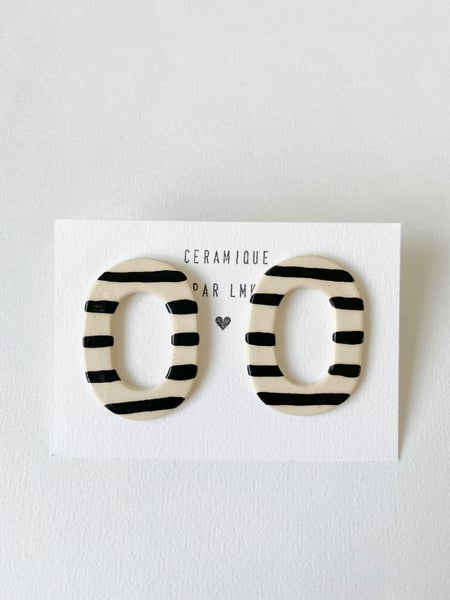 Image of Paire de boucles d'oreilles céramique TOTEM OVALA rayures noires