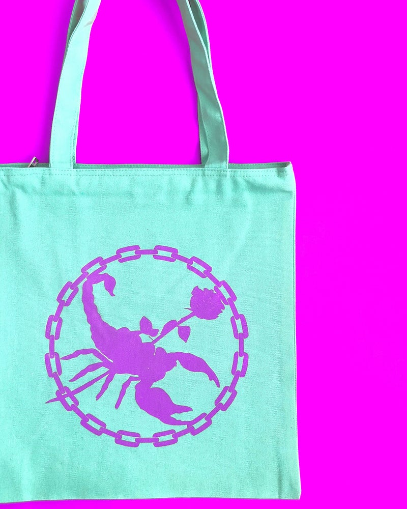 Image of SCORPION CHAIN TOTE BAG
