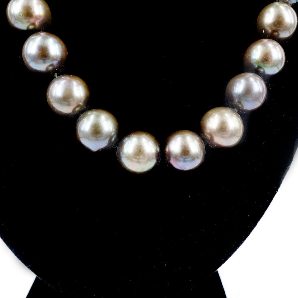 Image of Freshwater pearl strand, natural colour. Cp0991