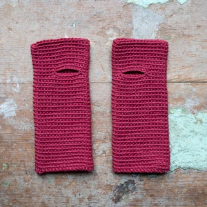 Wrist Worms, Merino, Raspberry