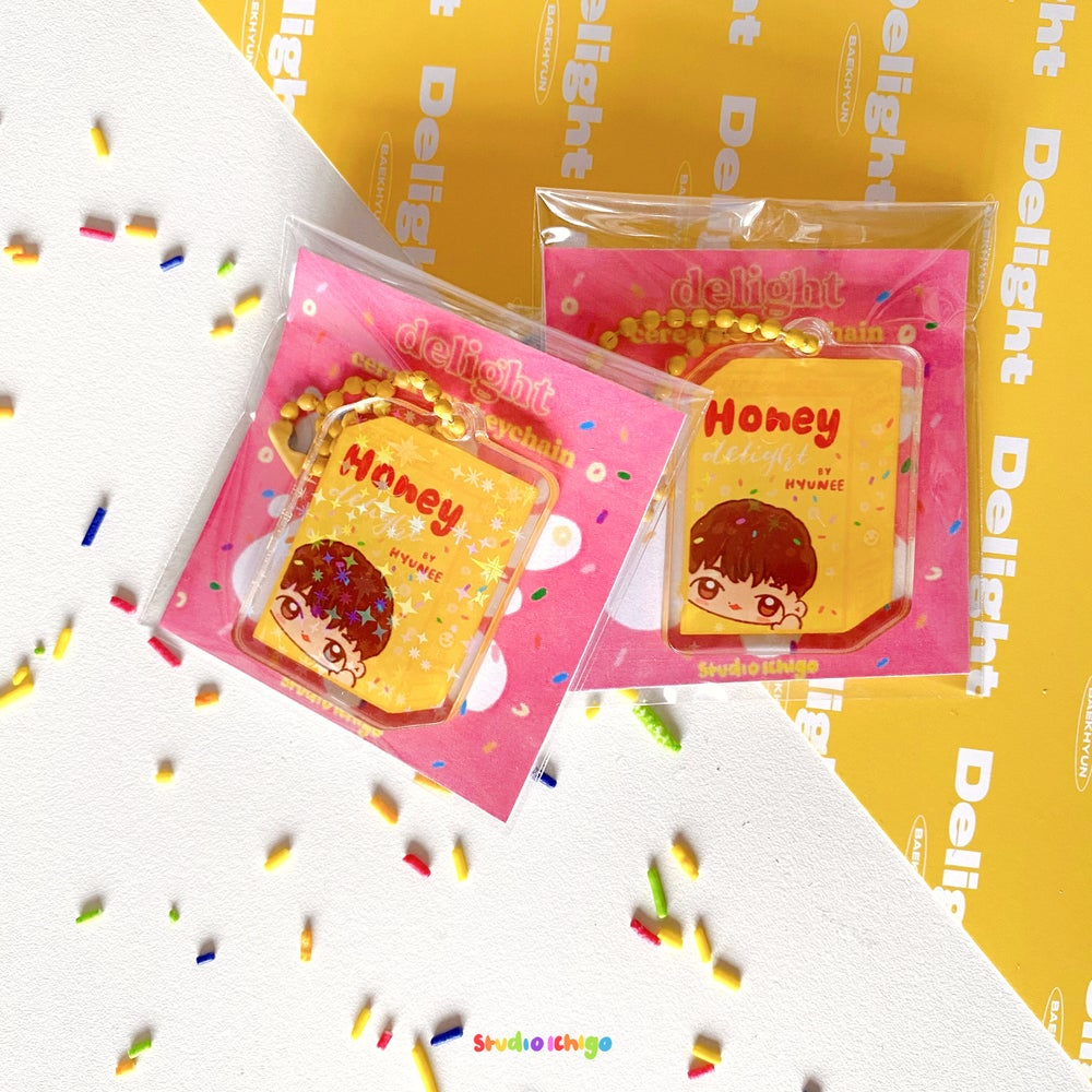 Image of Baekhyun Delight Holographic Cereal Box Keychain
