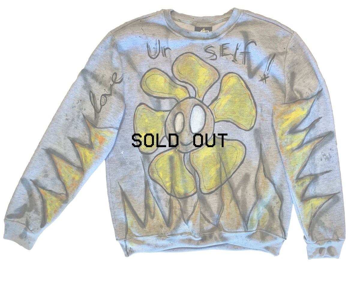 love urself flower - vintage crewneck